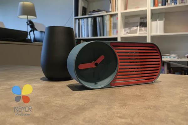 R4 Retro Clock