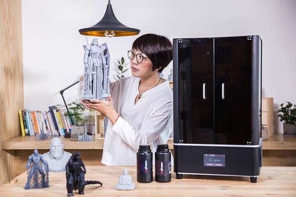 Best Resin 3D Printer for Miniatures 14